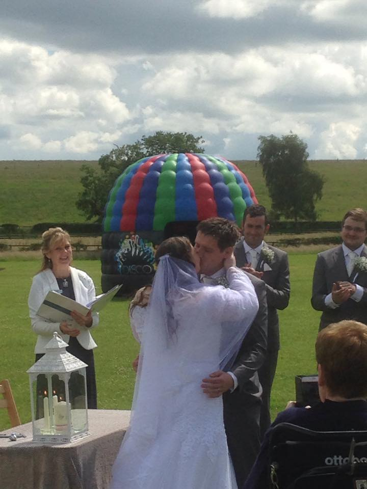 G&L Alcott Celebrant Wedding Kiss